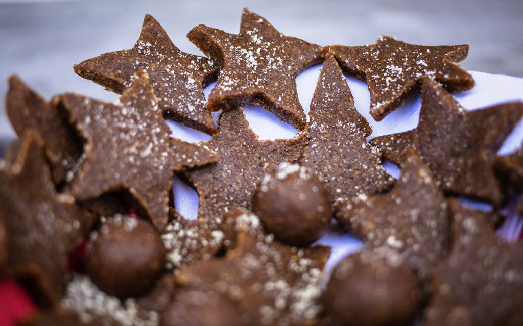 A healthy Christmas Sweet Treat that tastes so good! Gluten Free, Refined Sugar Free & Vegan.