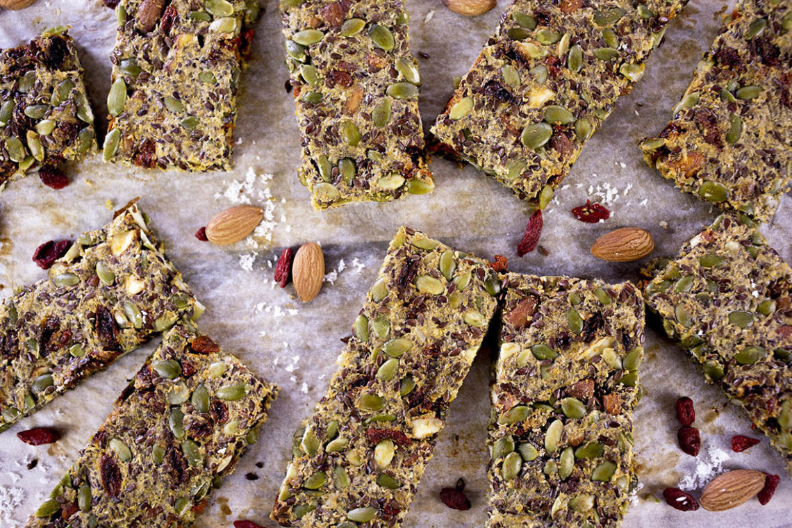 Paleo Nut Bar with Goji Berries - No