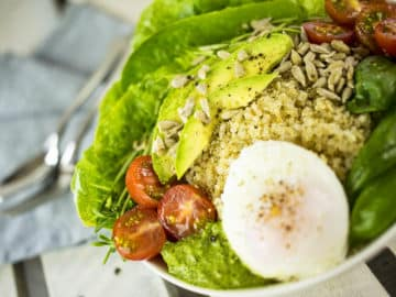 Quinoa Breakfast Bowl with Poached Egg, Avocado & Pesto. A delicious gluten free breakfast that will get you going for the day! Gluten Free, Dairy Free, Vegetarian.