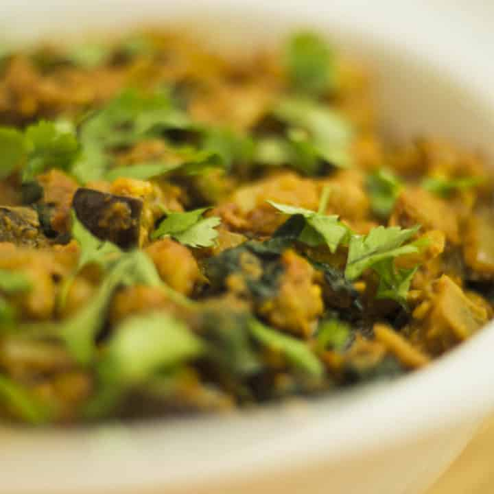 Aubergine (Eggplant) and chickpea curry